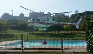 Foto helicoptero piscina